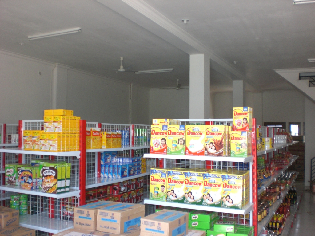 Display rak minimarket